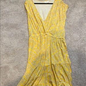 Cap sleeve v neck tiered midi dress